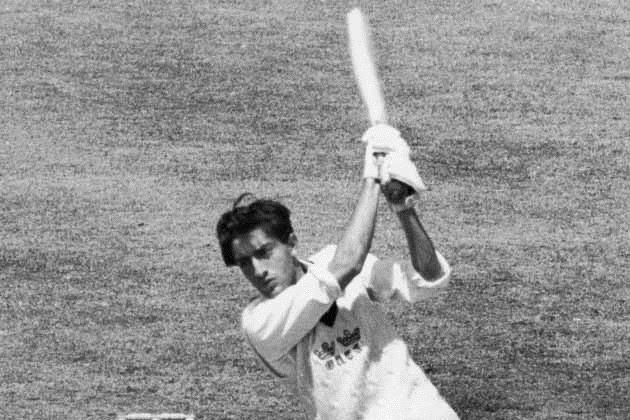 1 जुलाई 1961 को होव में एक कार एक्सीडेंट में एक कांच का टुकड़ा उनकी आंख में लग गया और उनकी दाईं आंख हमेशा के लिए खराब हो गई। इस एक्सीडेंट के बाद उनके क्रिकेट करियर पर हमेशा के लिए खत्म होने का खतरा मंडरा रहा था मगर पटौदी जल्दी ही नेट प्रैक्टिस पर लौटे और एक आंख के साथ ही बेहतरीन खेलने लगे।