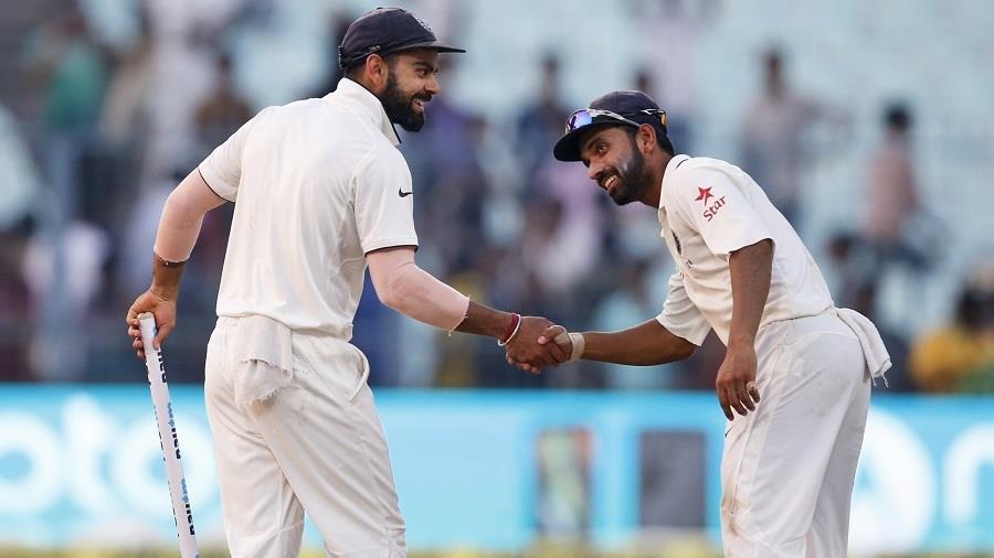 दूसरे टेस्ट मैच के चौथे दिन ही भारतीय टीमे ने न्यूजीलैंड के बल्लेबाजों को ऑल आउट कर लिया। न्यूजीलैंड की तरफ से सिर्फ एक बल्लेबाज अर्धशतक लगा पाया।