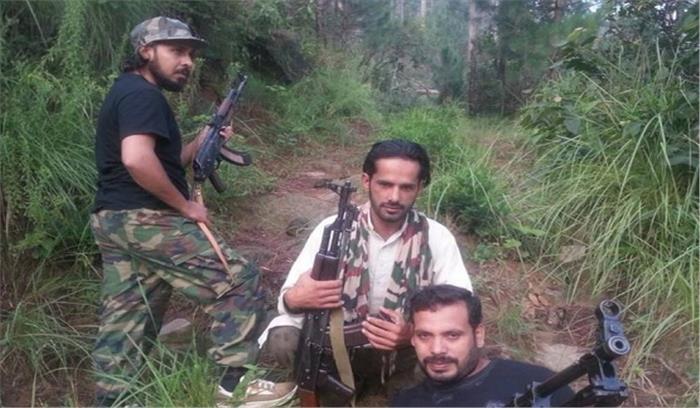 ऑपरेशन ऑल आउट के बाद सामने आई आतंकियों की नई खेप अत्याधुनिक हथियारों के साथ फोटो किया जारी
