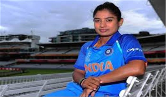 धोनी के साथ BCCI ने इस दिग्गज महिला क्रिकेटर को किया ग्रेड A सूची से बाहर