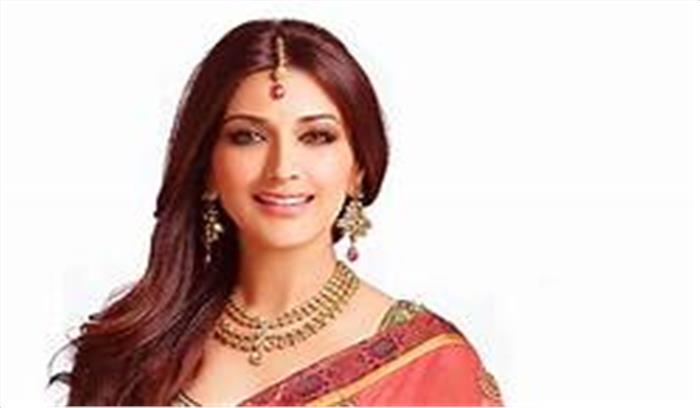 मशहूर अभिनेत्री सोनाली बेंद्रे ने दी ऐसी खबर की उनके चाहने वालों की आंखें हो गईं नम