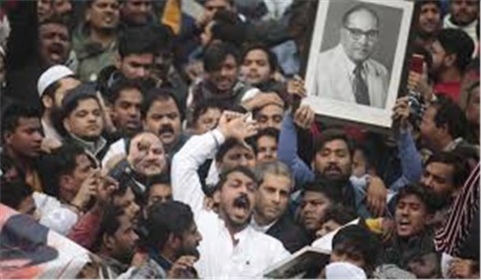 कोर्ट ने Delhi Police को झटकते हुए पूछा - आप ऐसे बर्ताव कर रहे हैं, जैसे जामा मस्जिद पाकिस्तान में हैं