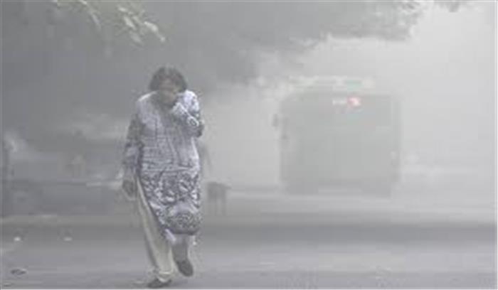 धूल भरी आंधी ने दिल्ली-एनसीआर के लोगों की बढ़ाई दिक्कतें, सांस लेने में हो रही परेशानी