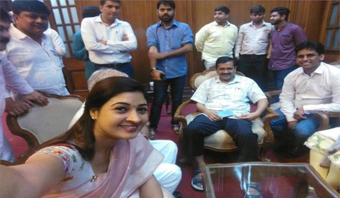 टीम केजरीवाल के लिए आसान नहीं होगा 'सत्ता का सफर  7 बागियों से पुरानी सीट पर मिलेगी सीधी टक्कर