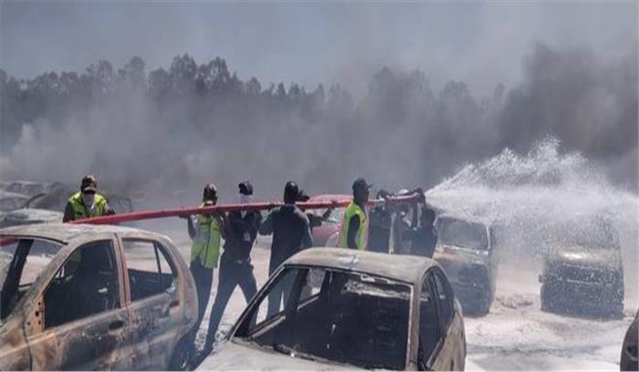 Breaking News - बेंगलुरु एयरशो को दौरान फिर हादसा , पार्किंग में आग से 100 से ज्यादा कारें स्वाहा