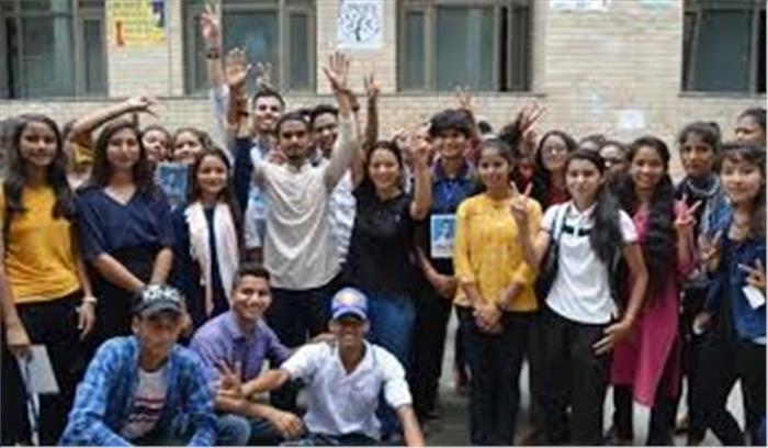 हेमवती नंदन बहुगुणा यूनिवर्सिटी ने बदला अपना फैसला , छात्रों के धरने पर बैठने के बाद पूर्वनिर्धारित 3 सितंबर को ही चुनाव का ऐलान