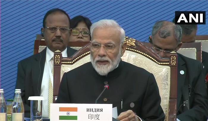 SCO शिखर सम्मेलन LIVE - PM मोदी ने सामने बैठे इमरान खान को दिया कड़ा संदेश , कहा- रोज मासूमों की जान ले रहा आतंकवाद