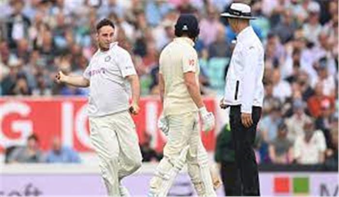 IND vs ENG 4th Test – मैच के बीच में पिच पर आ गया भारतीय प्रशंसक जारवो, फिर हुआ कुछ ऐसा कि डर गए ओली पॉप
