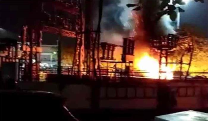 जयपुर में पुलिस और लोगों में झड़प में एक की मौत, इलाके में कर्फ्यू लागू