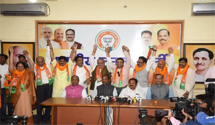 झारखंड में भाजपा ने कांग्रेस - JMM को दिया