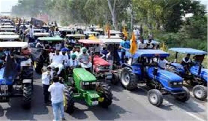 LIVE - कोंडली-मानेसर-पलवल एक्सप्रेसवे पर किसान का टैक्टर मार्च , कई किमी लंबा जाम , यूपी -हरियाणा बॉर्डर पर जाने से बचें