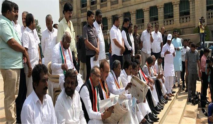कर्नाटक भाजपा के लिए आसान नहीं होगा बहुमत साबित करना, एकजुट हैं जेडीएस-कांग्रेस विधायक, ये हैं बहुमत पाने का गणित
