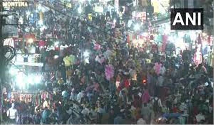 महाराष्ट्र में कोरोना की मार - नागपुर में लॉकडाउन से पहले बाजारों में उमड़ा लोगों का सैलाब