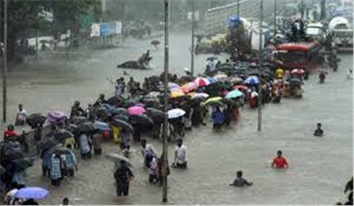 कई राज्यों में बारिश ने ढाया कहर, मुंबई में हाई टाइड का अलर्ट