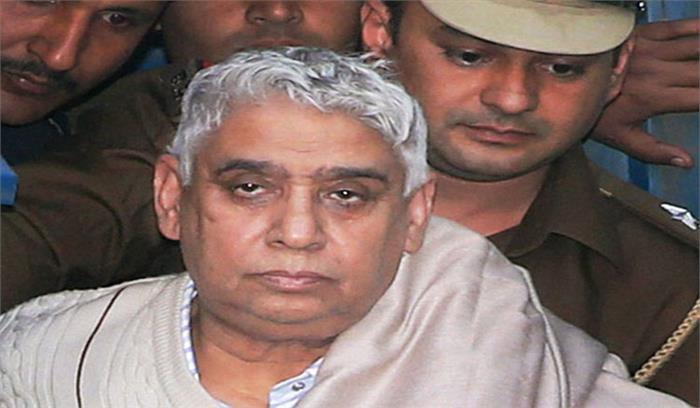 रामपाल को उम्रकैद की सजा, हिसार कोर्ट ने हत्या और बंधक मामले में सुनाई सजा