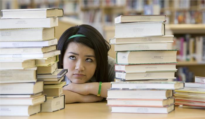 यूजीसी ने छात्रों को दी बड़ी राहत, अब ऑनलाइन प्रोग्राम के जरिए भी पा सकेंगे डिग्री