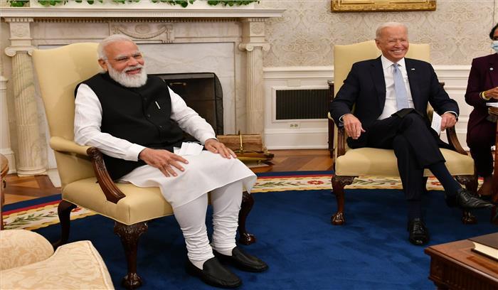 बाइडेन ने मोदी से कहा - मैं भारतीय मूल की एक महिला से शादी करना चाहता था , भारत में बाइडेन सरनेम वालों को मुझसे मिलवाएं