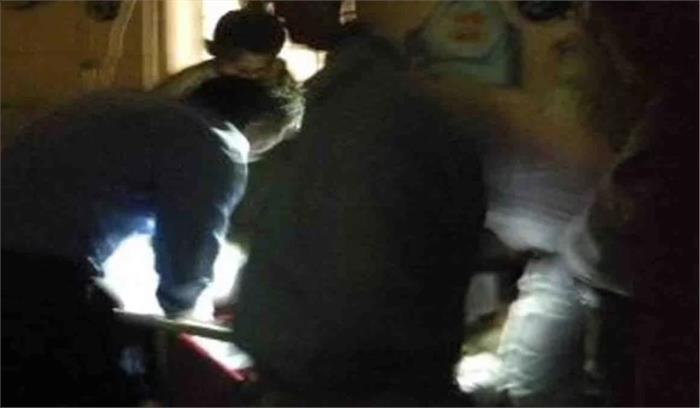 शर्मानाक –मोबाइल-मोमबत्ती की रोशनी में डॉक्टरों ने की 9 डिलीवरी , देहरादून के महिला अस्पताल में खराब था जनरेटर