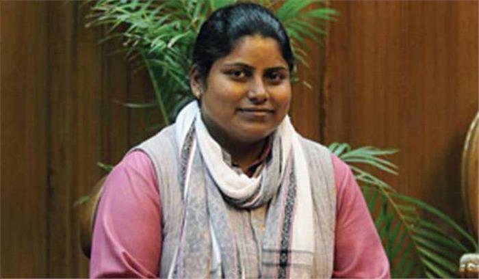 आम आदमी पार्टी की गर्भवती महिला विधायक ने एलजी ऑफिस पर लगाए आरोप, कहा- दवाएं तक नहीं लेने दी