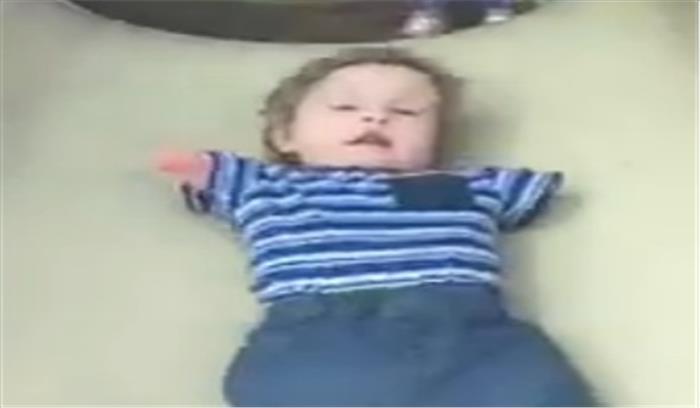 इस दिव्यांग बच्चे का वीडियो देख आप हो जाएंगे भावुक, आनंद महिंद्रा ने वीडियो शेयर कर बताया प्रेरणादायक