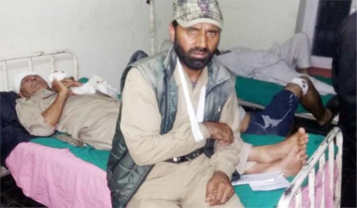 कश्मीर में पुलिसकर्मियों से भिड़े सेना के जवान, थाने में घुसकर की तोड़फोड़, मारपीट में 6 पुलिसकर्मी घायल