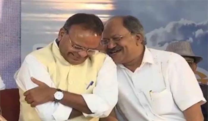 अटलजी की शोक सभा में ठहाके लगाते मंत्रियों को पड़ी डांट, लोग बोले- दिखावा कर रही है भाजपा