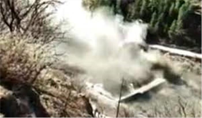 उत्तराखंड - चमोली में ग्लेशियर टूटने से भारी तबाही , कई लोग बहे , हरिद्वार - ऋषिकेश तक अलर्ट जारी