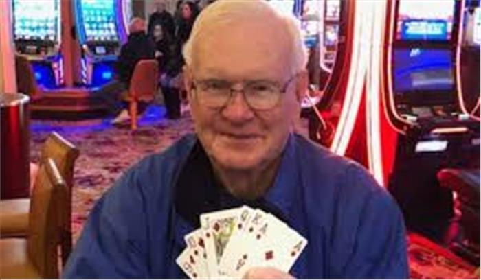 न्यूजर्सी के 70 वर्षीय हैराॅल्ड पर किस्मत हुई मेहरबान, मात्र 350 रुपये दांव पर लगाकर जीत लिए 7 करोड़