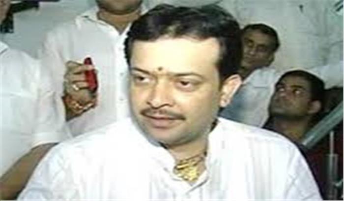 'राज्यमंत्री' भय्यूजी महाराज ने खुद को गोली मार खुदकुशी की