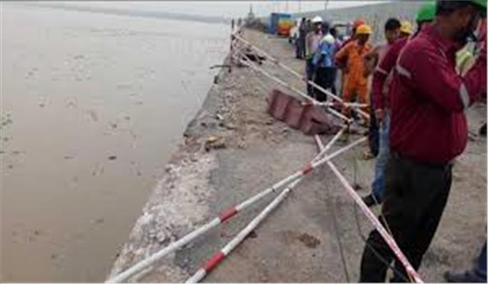 पटना में गांधी सेतु पर हुआ बड़ा हादसा, रेलिंग तोड़ते हुए कार गिरी गंगा में, तलाश जारी