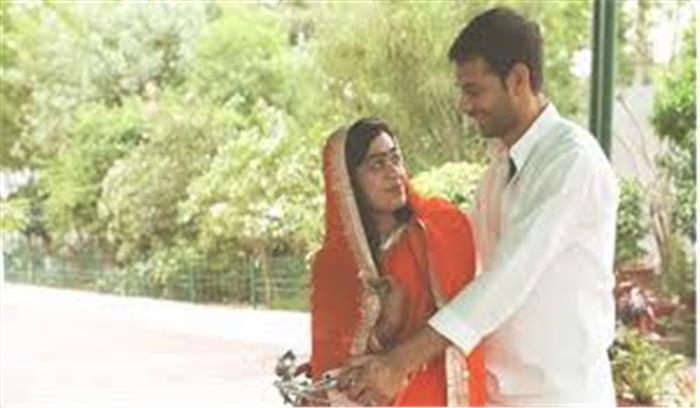 तेजप्रताप-ऐश्वर्या की हाईप्रोफाइल शादी पहुंची टूट की कगार पर, कोर्ट में दी तलाक की अर्जी