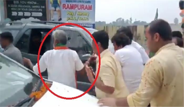 यूपी के भाजपा प्रदेश अध्यक्ष स्वतंत्र देव सिंह के साथ मुजफ्फरनगर में हादसा , स्वागत समारोह में हाथ से अंगुली कट अलग हुई