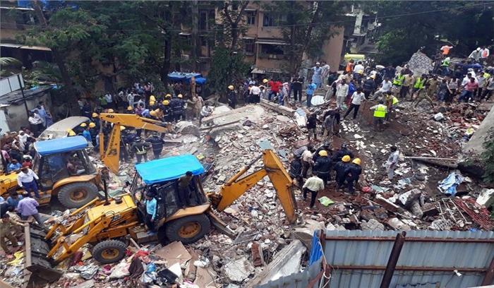 मुंबई में 4 मंजिला इमारत गिरी, 12 की मौत, कई लोग अभी भी मलबे में दबे