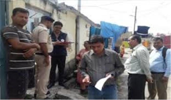 देहरादून - रेलवे अफसरों के खिलाफ मिली शिकायतों के बाद CBI की टीम ने रेलवे क्वार्टरों में की छापेमारी