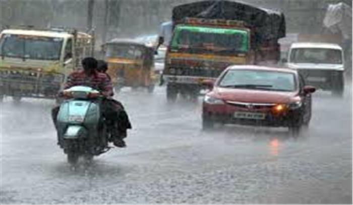 लगातार हो रही बारिश ने चेन्नई को किया पानी-पानी, कार्यालय, काॅलेज और स्कूल बंद