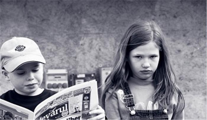 बचपन में तनाव झेलने वाले बच्चें बनते हैं , जल्दी मैच्योर
