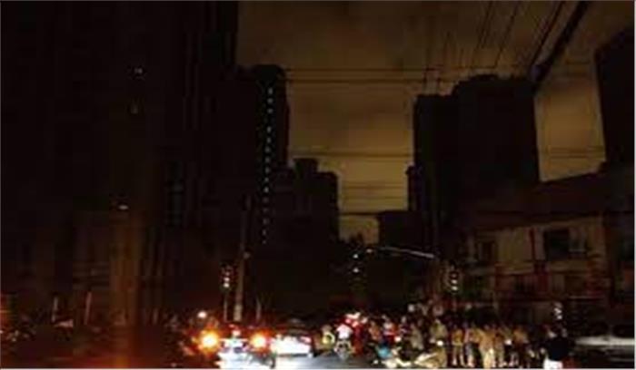 चीन में गहराया बिजली संकट , मॉल - कारखाने - दुकानें बंद , सरकार का आदेश - बिजली बचाएं