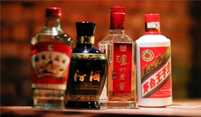 शराब के शौकीनों के लिए बेहतरीन 'चीनी' आॅफर, 1 लाख रुपये जमा करो और जीवन भर शराब पियो