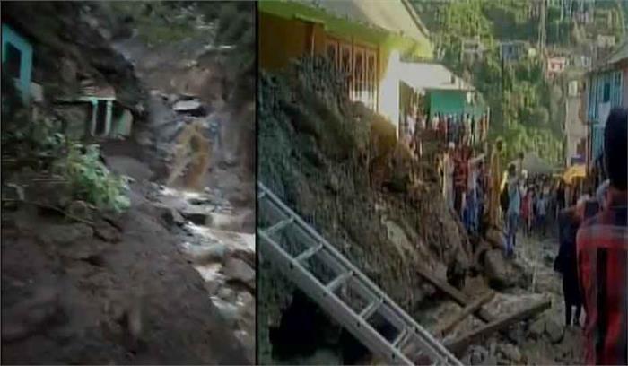 जम्मू—कश्मीर के डोडा में बादल फटने से मची भारी तबाही, कई घर ढहे, 6 लोगों की मौत, कई लापता