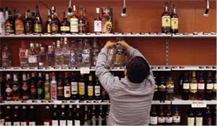 विधायकं ने की ठेके खोलने की मांग , कहा - गले में मौजूद कोरोना मर जाएगा , देवता भी युद्ध से पहले मदिरा पीते थे