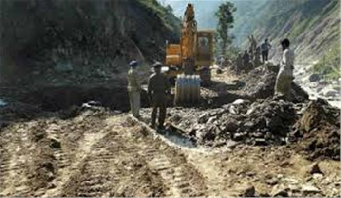 उत्तराखंड सरकार ने चीन से सटी सीमा पर तीन सड़के बनाने पर लगा अड़ंगा किया दूर , वन भूमि हस्तांतरण प्रस्ताव को दी मंजूरी