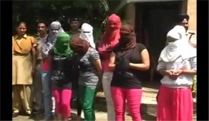 रामनगर के होटल में संदिग्ध हालत में धरे गए 6 जोड़े, देह व्यापार की संभावना
