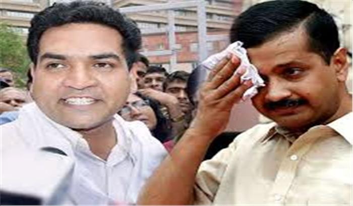 दिल्ली विधानसभा की मर्यादा एक बार फिर हुई तार-तार, घुसपैठियों के मुद्दे पर पक्ष-विपक्ष के नेताओं के बीच हाथापाई