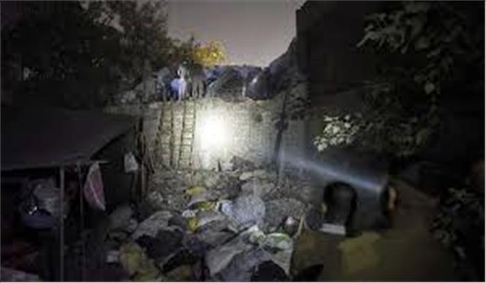 मोती नगर की पंखा फैक्ट्री में हुआ जबर्दस्त धमाका, इमारत गिरने से 7 लोगों की मौत 10 से ज्यादा घायल