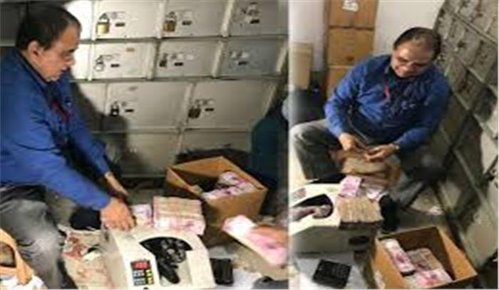 चांदनी चौक में आयकर विभाग का छापा, साबुन की दुकान के नीचे मिले 300 प्राईवेट लाॅकर, 30 करोड़ बरामद