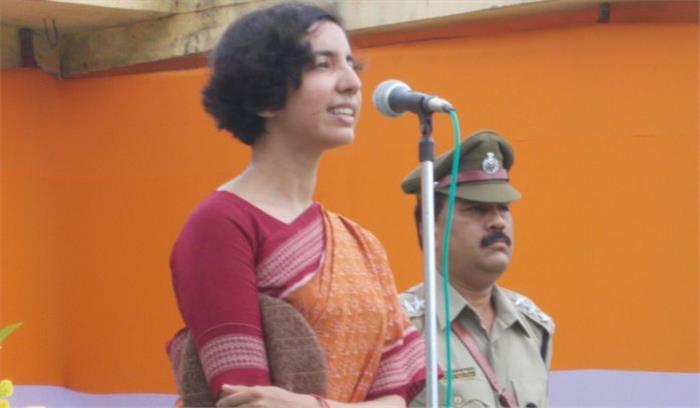 पंचकुला में डेरा सर्मथकों की हिंसा पर इस लेड़ी IAS पुलिस के आदेश से पाया गया था काबू