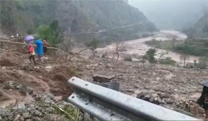 उत्तराखंड - चमोली - टिहरी जिलों में बादल फटने से कोहराम , 4 लोगों की मौत , 11 घर मलबे के साथ बहे, गढ़वाल में बारिश से आफत