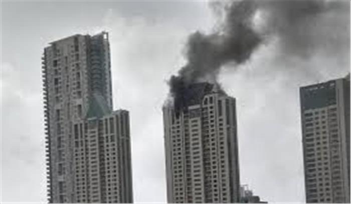 वर्ली में दीपिका पादुकोण की रिहाइश वाली 33 मंजिला इमारत में लगी भीषण आग, दमकल की 8 गाड़ियां आग पर काबू पाने में जुटी
