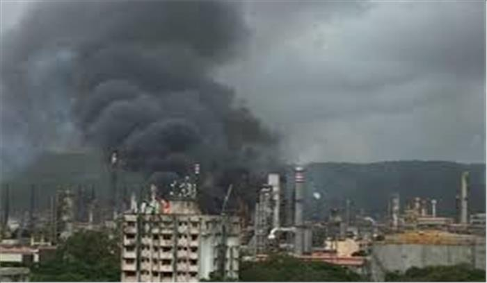 चेंबूर के भारत पेट्रोलियम प्लांट में लगी भीषण आग, दमकल की 7 गाड़ियां आग पर काबू पाने में जुटी
