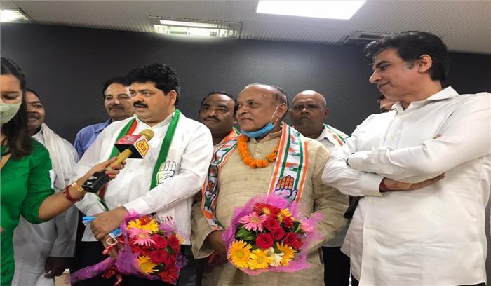 सपा के पूर्व सांसद राजेंद्र बाडी कांग्रेस में शामिल , बोले- कांग्रेस में हर धर्म का सम्मान होता है